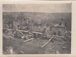 SAINT-PIERRE-L'AIGLE: Juillet 1918 - Maisons Bombardées (lot De Deux Photos) - Autres Communes