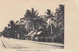 BETSILEO - Village Sur La Côte Est - Madagascar