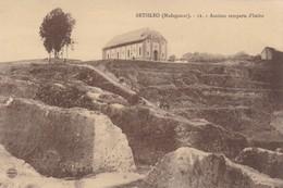 BETSILEO - Anciens Remparts D'Imito - Madagascar