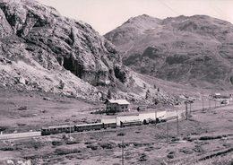 Schweizer Eisenbahnen, Rhätische Bahn, Berninabahn, Train Près Bernina-Diavolezza, Photo 1970 BVA RhB 180.3 - Trains