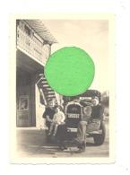 Photo ( 6 X 9 Cm ) Bassenge - Ancienne Voiture, Oldtimer Devant Le Ou L'ancien Hertigers Garage (sf31) - Lieux