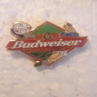 PINS BIERE BUDWEISER SPORT SOCCER/ FOOT - Beer