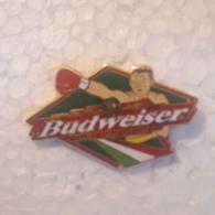 PINS BIERE BUDWEISER SPORT BOXE - Beer