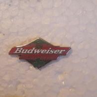 PINS BIERE BUDWEISER TREFLE VERT - Beer