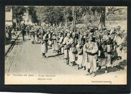 CPA - GUERRE DE 1914 - Troupe Algérienne, Très Animé - Guerre 1914-18