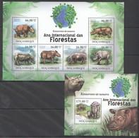 O1178 2011 MOZAMBIQUE MOCAMBIQUE FAUNA DAS FLORESTAS ANIMALS RHINO RINOCERONTE 1SH+1BL MNH - Rhinoceros