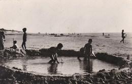 SAINT LAURENT SUR MER - CALVADOS - (14)  -  CPA ANIMÉE DE 1948. - France
