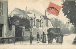 77 - LESCHES - Hotel Fontaine Sulfureuse En 1905 - Attelage Commerce Ambulant - France