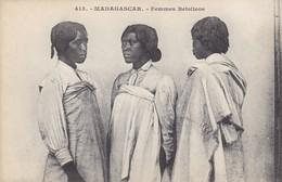 FEMMES BETSILEOS - Madagascar
