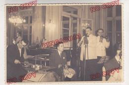 Au Plus Rapide Musique Orchestre Jazz ? Bal Paris Palais D'Orsay Année 50 Beau Format - Personnes Anonymes