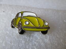PIN'S    VOLKSWAGEN  COCCINELLE   JAUNE   Email A Froid - Volkswagen
