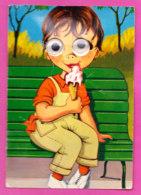 Fant-393P51 Enfant Assis Sur Un Banc, Mangeant Une Glace, Les Yeux Mobiles - A Systèmes