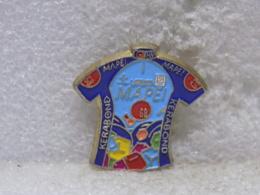 PINS DIVERS                      48 - Pin's & Anstecknadeln