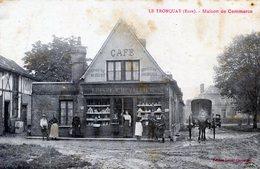 27  LE TRONQUAY  MAISON DE COMMERCE ANIMEE ET CHARRETTE  (TACHES DE ROUILLE) - France
