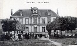 27  LE FIDELAIRE  MAIRIE ET ECOLE ANIMEE - France