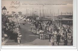 LE CROISIC - Le Quai Au Niveau Du Pont Tournant - Vue Prise Le 15 Août Pendant La Procession - Très Bon état - Le Croisic