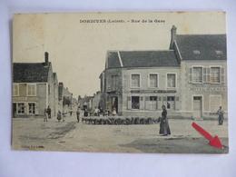 Dordives.  Rue De La Gare.  Troupeau De Moutons. Hôtel Clément. - Dordives