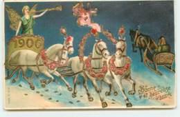 N°14977 - Carte Gaufrée - Bonne Et Heureuse Année 1906- Ange Sonnant Dans Une Trompette Sur Un Char Tiré Par Des Chevaux - New Year