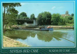 Auvers Sur Oise - Bords De L ' Oise Et L ' église - Auvers Sur Oise