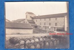 Photo Ancienne Snapshot - LE POUZIN ( Ardèche ) - La Distillerie Vue Prise à Bord D'un Train - 1904 - Chemin De Fer - Lieux