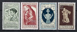Luxembourg  -  Timbres Caritas 1945 - Mi. 395-396-397-398 - Blocs & Feuillets