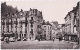 88. Pf. PLOMBIERES-LES-BAINS. La Place De L'Eglise. 42 - Plombieres Les Bains