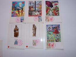 Croix Rouge  29 Enveloppes Et 46 Cartes - Marcophilie (Lettres)