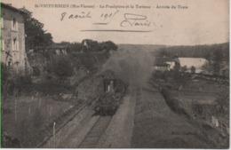 HTE VIENNE-Saint Victurnien-Le Presbytère Et La Terrasse-Arrivée Du Train - Ed Laroche - France