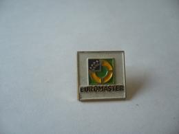 PIN'S PINS  EUROMASTER - Badges