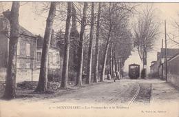 Cpa -77- Donnemarie - Animée Avec Train Et Gare-promenades Et Le Tramway -edi Magnan N°4 - Donnemarie Dontilly