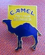 Camel (Cigarettes) - Pin's Club Member - Markennamen