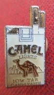 Camel Lights (Cigarettes) - Modèle 1 - Marche