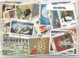 Lot De 100  Timbres Du Nepal - Népal