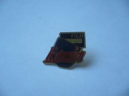 PIN'S PINS FUJI EXTRASLIM - Photography
