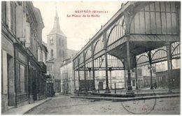 33 GUITRES - La Place De La Halle - Frankrijk