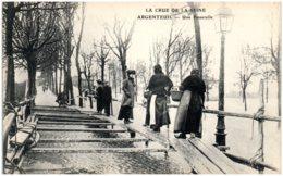 95 ARGENTEUIL - Crue De La Seine - Une Passerelle - Argenteuil