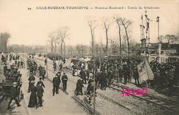 PHOTO ;  Lille-Roubaix-Tourquoing, Vélodrome,  Cyclisme, Photo D'une Ancienne Carte Postale, 2 Scans - Sports