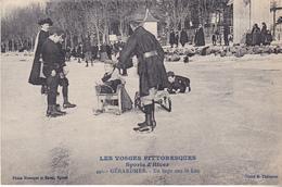 BAC19- GERARDMER  DANS LES VOSGES  EN LUGE SUR LE LAC     CPA  CIRCULEE - Gerardmer