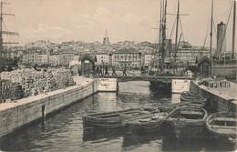 13 Marseille  Un Coin Du Quai Du Canal Bateau Barque Voilier - Vecchio Porto (Vieux-Port), Saint Victor, Le Panier