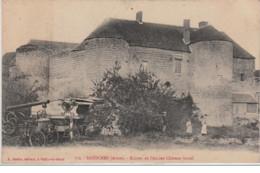 BAZOCHES : Une Batteuse Devant Les Ruines De L'ancien Château Féodal Vers 1910 - Très Bon état - France