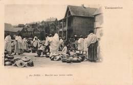 Madagascar Tananarive Au Zoma Marché Aux Terres Cuites + Timbre Cachet 1905 - Madagascar