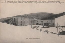 Lozère - Massif Du Mont-Aigoual - Maison Forestière Du Col De La Sarreyrède - Un Groupe De Skieurs - Altri Comuni