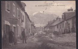 MONT DAUPHIN - ( 05 - Hautes Alpes ) Rue Campana ( Animée , Personnes , Tabac ) - TTB Etat - France
