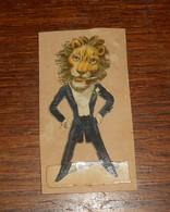Découpi  XIXe. Monsieur Lion En Tenue. - Animali