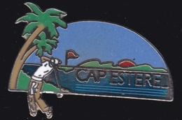 64827 -Pin's-Golf Club Cap Esterel.Saint-Raphael.signé Démons Et Merveilles. - Golf