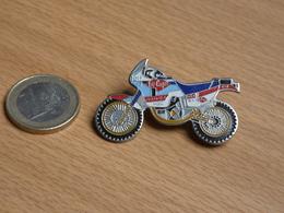 MOTOS .MOTO  HONDA HRC.ELF .LEE COOPER. 2 POINTES ZAMAC. - Motorfietsen