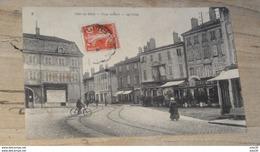 PONT DE VAUX : Place Joubert, Les Cafés …... … NW-4272 - Pont-de-Vaux
