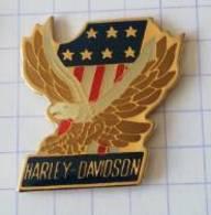 Pin's  -  HARLEY-DAVIDSON - Aigle  Drapeau Américain - Motorfietsen