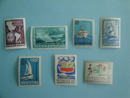 Bateaux Argentine Lot 7 Timbres Anciens Yv PA46 - PA99 - 448 - 514 - 818/9 - 821 ** MNH - Argentina