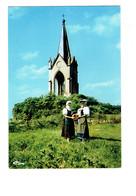 Cpm - 70 - Groupe Folklorique - Les Gauch'nots & Gauch'nottes - LA MOTTE - Monument De La Vierge - France